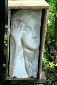 Kunst im garten der verwunschene garten - Gartenskulpturen selbstgemacht ...